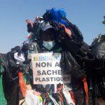 AU SÉNÉGAL, LA DIFFICILE LUTTE CONTRE LE « PÉRIL PLASTIQUE »