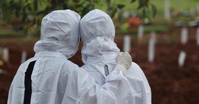 COVID-19: PLUS DE 4 MILLIONS DE MORTS DANS LE MONDE, «RÉSURGENCE» EN AFRIQUE