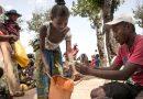 LA FAMINE ÉTRANGLE DES VILLAGES ENTIERS SUR LA GRANDE ILE